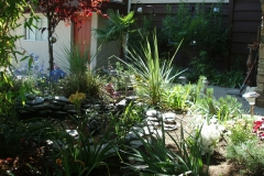 29-outdoor-garden-pond